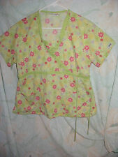 STAR OF STARS BEST MEDICAL (FLOWERS) SCRUB TOP SIZE L (2 POCKETS)(TIES ON SIDE)