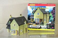 HORNBY R8518 SKALEDALE OLD GREEN COTTAGES OO SCALE BOXED na