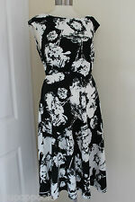 size 10 black and  white dress from wallis brand new