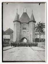 PHOTO Vintage 1913 - FRANCE VILLENEUVE SUR YONNE La Caisse d'Épargne Excursion