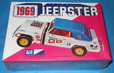 Vintage MPC 1969 JEEPSTER 2069-200 FS Box 1/25 Scale-Model Car Swap Meet