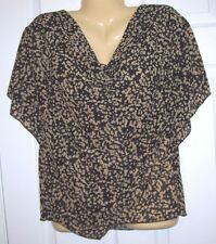 New . You Women Top XXL  Pull Over  Bat Wing Sleeves Black and Beige T 82