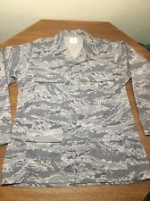 COAT MAN'S UTILITY AIR FORCE ABU DIGITAL CAMO 44L USED
