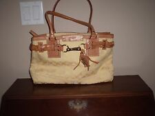 AUTHENTIC COACH HAMPTON HANDBAG NEAR MINT CONDITION ADD A POP OF COLOUR