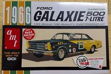 AMT 1966 Ford Galaxie 500 7-Litre Retro Deluxe 1/25 Scale Model Kit