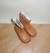 NEW Clarks girls SNUGGLE UP FST tan leather winter boots size 5.5 F
