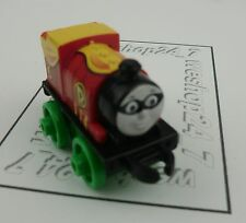 THOMAS & FRIENDS Minis Train Engine DC 2015 PERCY as Robin ~ NEW Sealed #83