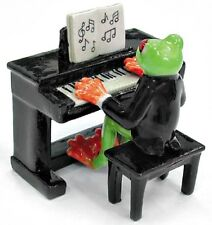 MB024B - NR Musician - Tree Frog playing an Electric Piano (2 Pieces)