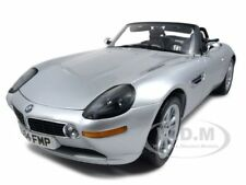 BMW Z8 JAMES BOND 007 WORLD IS NOT ENOUGH 1:12 MODEL CAR BY KYOSHO 08601