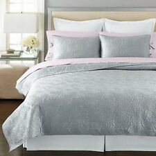 Martha Stewart Carved Dahlia Twin Quilt Silver/Gray- Retail $160 Beautiful
