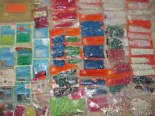 LOT VINTAGE PLASTIC CRAFT BEADS~LEEWARDS~67 NEW PKGS~ASSORTED COLORS & SIZES~NEW