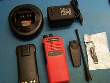 """Motorola HT750 UHF 403-470MHz 4 CH AAH25RDC9AA2AN """"VFD"""" Red Case Tested Mint"""