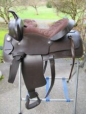 "15"" LIGHTWEIGHT SYNTHETIC & LEATHER WESTERN SADDLE B BAR B PLEASURE TRAIL RANCH"