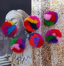 Lot de 10 petits pompons ethnique en laine filée multicolore rond diamètre 2 cm