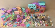LITTLEST PET SHOP LITTLE 40 PETS & Lots Of Accessories play house