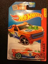 2015 Hot Wheels HW RACE Fig Rig 152/250 (Orange Version)