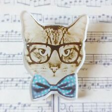 qUiRkY TABBY CAT BOW TIE GEEK GLASSES SPECS PRINTED ACRYLIC BROOCH PIN 40mm