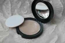 The Body Shop Pressed Face Powder color 10 New with plastic liner & sponge RARE