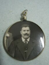 Antique pending pendant in solid silver frame to post photos