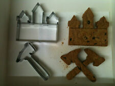 Kitchencraft West Ham Hammers Shape Metal Biscuit/Cookie Cutter Pk2. Home Baking