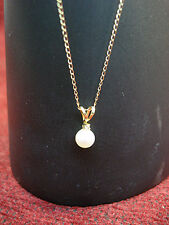 14K YELLOW GOLD NECKLACE WITH CULTURED PEARL/DIAMOND PENDANT - CUTE!