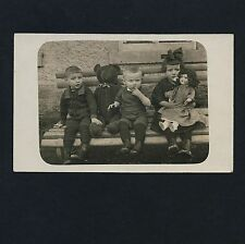 CHILDREN & BIG TEDDY BEAR / KINDER & GROSSER TEDDYBÄR * Vintage 10s Photo PC