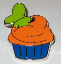 Character CUPCAKE GOOFY Hat Cup Cake Mini Booster Disney Pin WDW AUTHENTIC