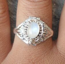 925 Solid Silver Poison/Locket Ring Rainbow Moonstone Size 8-H65
