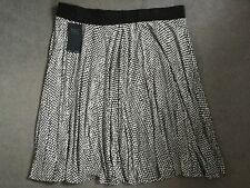 M&S BLACK & WHITE SPOT SKIRT WITH BLACK ELASTIC WAISTBAND WITH STRETCH- 24- BNWT