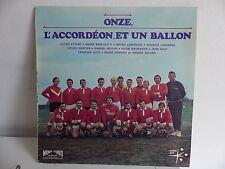 Onze l accordeon  un ballon FOOTBALL ORENZONI BROCOLETTI 30139 MUSETTE ACCORDEON