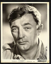 """Robert Mitchum """"Man in the Middle"""" Vintage 1964 8x10 Movie Photo"""