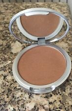 The Balm Betty - Lou The Manizer  Aka - The Bronzing Bandit