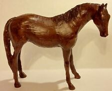 RED MILL CRUSHED PECAN SHELL QUARTER HORSE FIGURINE - USA