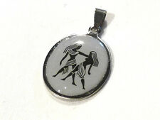 Bijou acier pendentif ovale signe du zodiaque gémeaux pendant