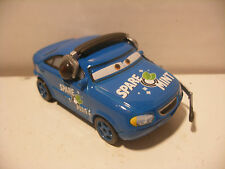 Mattel Disney Pixar Voiture CARS 2 Die Cast Metal 1/55 SPARE O MINT Chief Chef