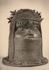 Post Card - African Art / Head made of bronze by the royal ancestral altar
