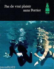 PUBLICITE ADVERTISING 125  1970  Perrier eau minérale par JC DEWOLF plongée