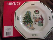 New in Box NIKKO Christmastime Happy Holidays Plate 1998 Chestnuts Roasting Fire