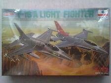 Esci 9041 F-16A Light Fighter 1:72 Neu & versiegelt, mit Lagerungsspuren