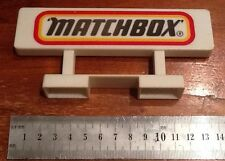 VINTAGE ORIGINAL MATCHBOX PLASTIC SIGN WITH STAND FOR DISPLAY PLAY SET FREE P&P