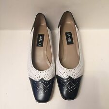 Vaneli Black And White Leather Wingtip Oxford Low Heel Shoes 9 1/2