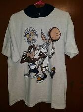 Vintage 90's Looney Tunes Notre Dame Bugs & Taz T-shirt with Hood. LARGE