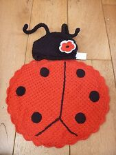 BABY RED BLACK LADYBIRD COSTUME ( CAPE ) BLANKET AND HAT ONE SIZE BUT TINY NEW