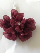 6 fiori di organza bordeaux con centro diamante