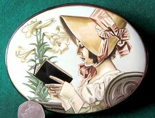 Russian Large hand painted LACQUER Box LADY reading a book signed Unique GIFT