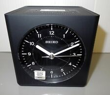 SEIKO -GLOBAL AM/FM RADIO ALARM CLOCK QHE112KLH