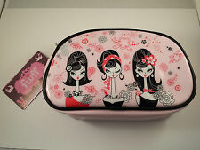 ~* FLUFF CHELSEA GIRLS MAKE UP BAG - SUPER CUTE AND EASY TO CARRY *~