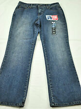 women's St John's bay jeans size 6P bootcut denim blue five pockets slimming
