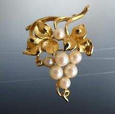 LISNER signed Grapes cluster faux pearls gol d tone great condition BROOCH