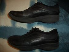 CLARKS IN-MOTION BLACK SHOES WOMEN'S SIZE 9 1/2 M     37363